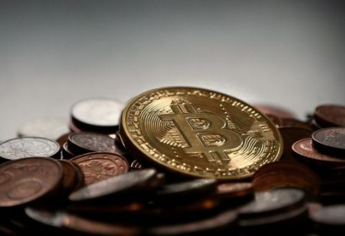 Coinstar kiosks now support swapping cash for bitcoin