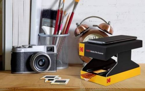 Kodak's new cardboard scanner makes it easy to digitize old film