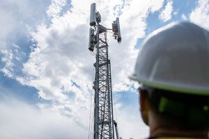 Global telephone companies unite their support for flying cell phone antennas